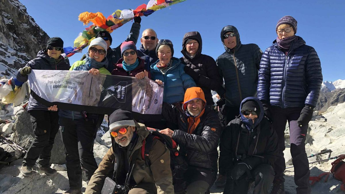 cinq rovenains a l'assaut de l'everest